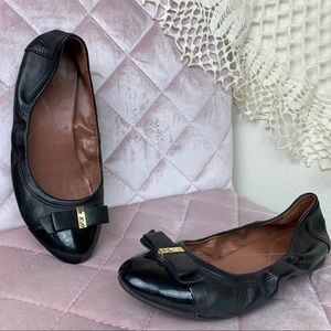 Cole Han Black Round Toe Bow Ballet Flats 8B